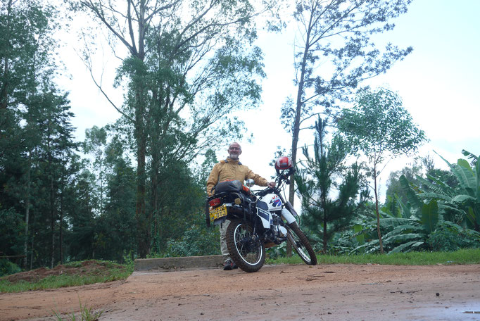 Das erste Mal bin ich nun selbst mit einem Motorrad unterwegs und kann so schneller meine Ziele erreichen.