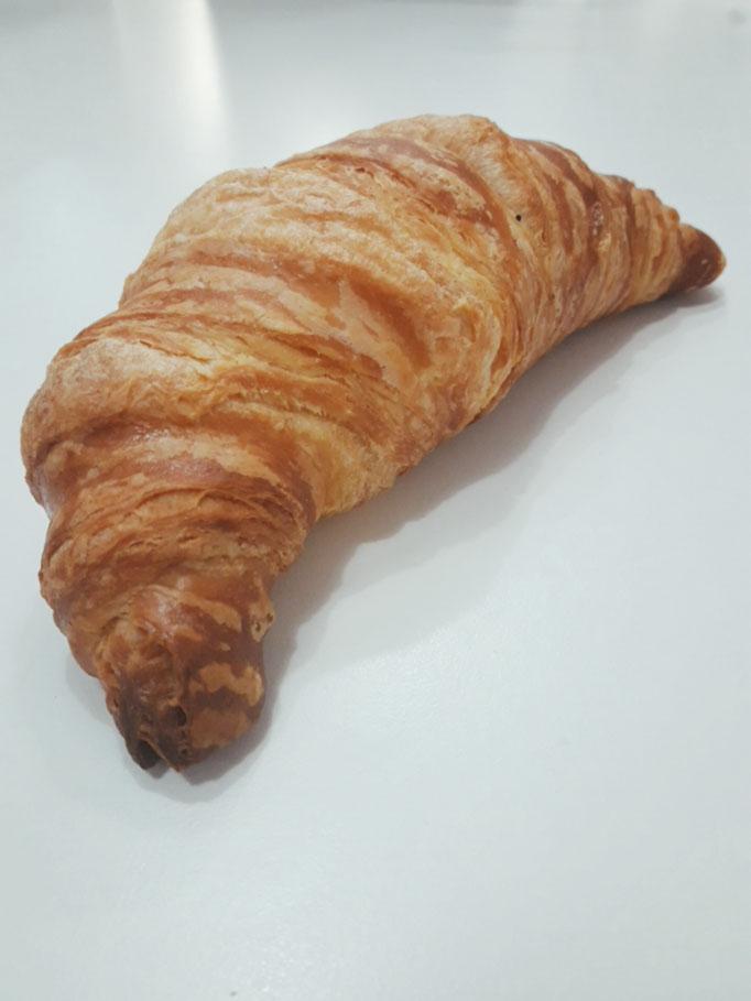 I nostri Croissant, farciti al pistacchio, al cioccolato, alla crema, alla marmellata, o al caramello salato.