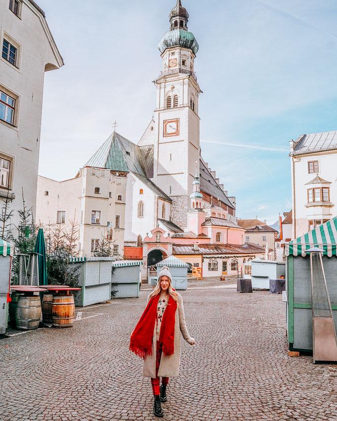 Finde alle Sehenswürdigkeiten in Wattens und Hall in Tirol sowie den Swarovski Kristallwelten. In meinem Blogbeitrag findest du alles zur Altstadt von Hall in Tirol und zum Weihnachtsmarkt in Hall. Meine Hall in Tirol Bilder machen Lust auf eine Reise nac