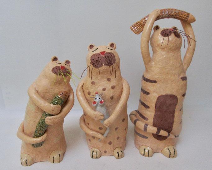 Happy Cats varierend in hoogte van 22, 26, 33cm