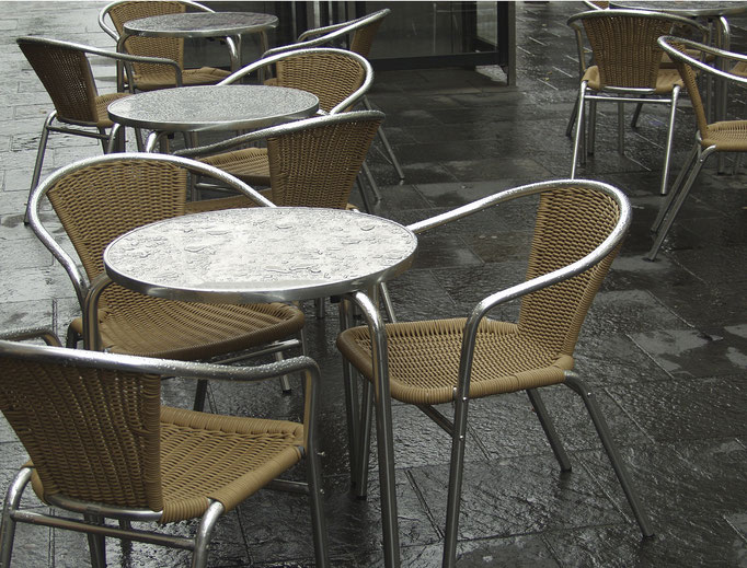 Straßencafé   2004 | 37 x 28 cm