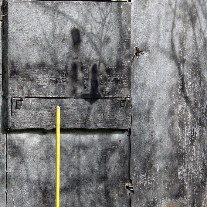 nachmittags in der Gartenkolonie    2004 | 28 x 28 cm