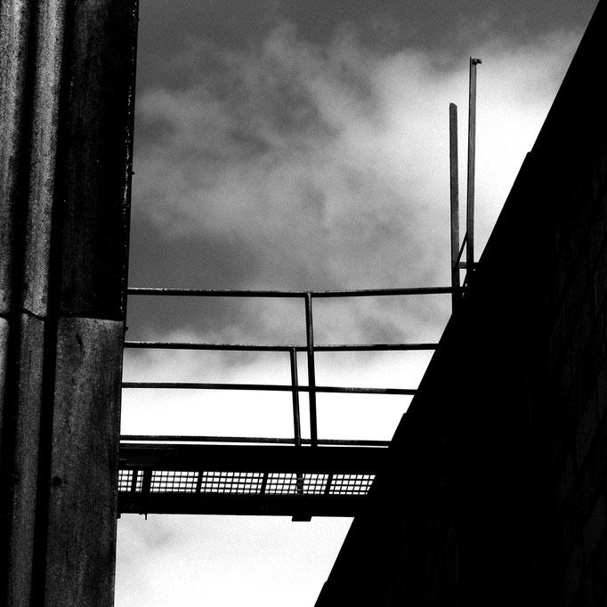 Brücke der Arbeit   2004 | 28 x 28 cm
