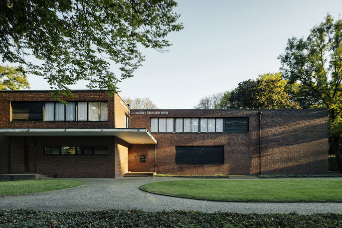 Haus Lange/Haus Esters (1928–30), Architekt: Ludwig Mies van der Rohe © Tillmann Franzen / VG Bild-Kunst
