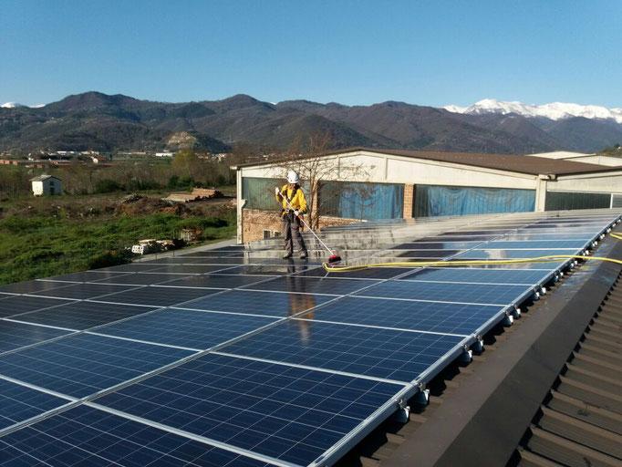 Pulizia pannelli solari di impianto fotovoltaico - Piemonte - Provincia di Cuneo
