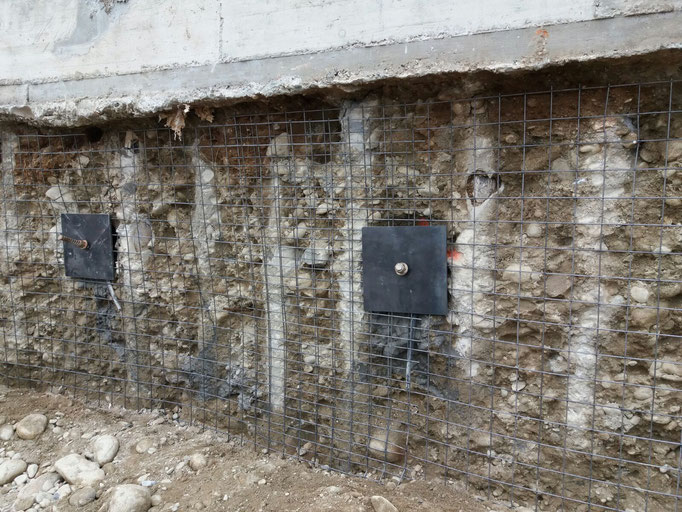 Realizzazione berlinese tirantata in ambienti confinati e successiva applicazione di spritz beton - Piemonte - Provincia di Cuneo