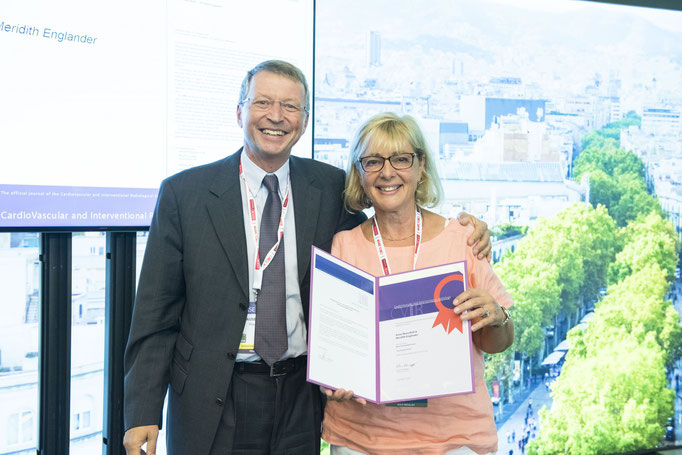Most Downloaded Article, from left to right: K. Hausegger (CVIR EiC) and A.-M. Belli (awardee)