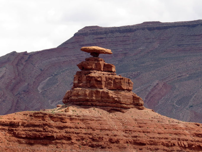 wer errät woher der Ort Mexican Hat seinen Namen her hat? / who guesses where the name of the town Mexican Hat comes from?