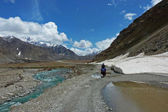 wir nähern uns dem Pamir Plateau