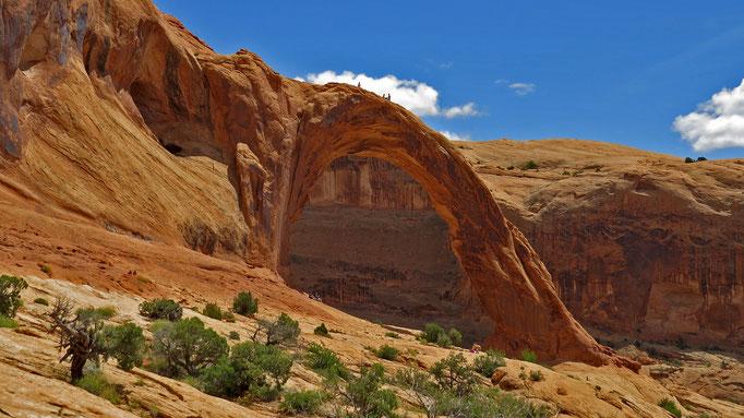 Corona Arch (man kann Leute obendrauf sehen...!)