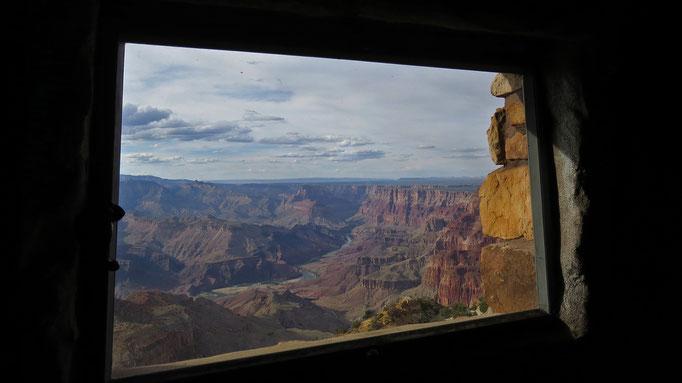 na das ist doch mal ein Fenster mit Aussicht...! / now thats's a room with a view...!