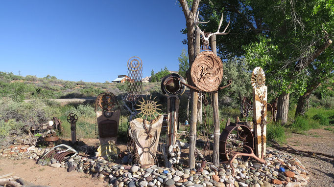 Roadside Art
