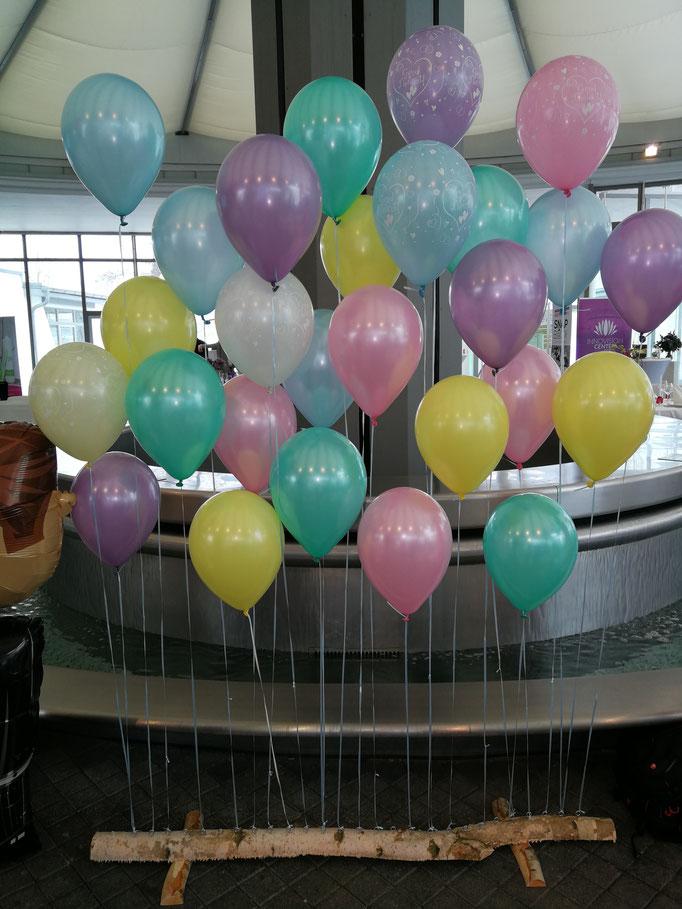 Ballonwand in Pastellfarben