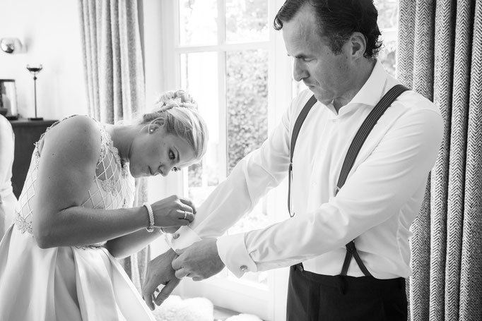 Hochzeitsreportage - Vorbereitung der Bräutigamvaters