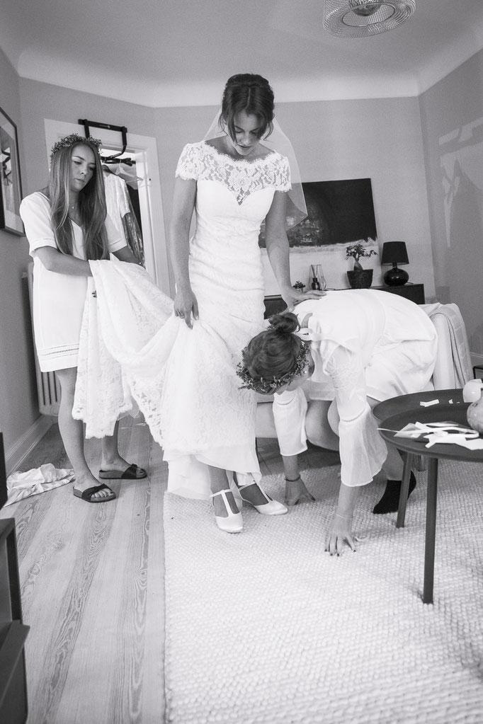 So ein Hochzeitskleid, das kann keiner alleine handeln