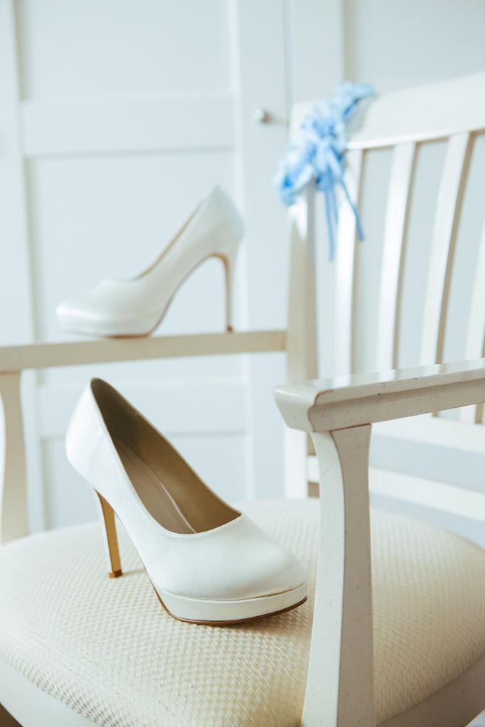 Hochzeitsreportage - Getting Ready der Braut Brautschuhe