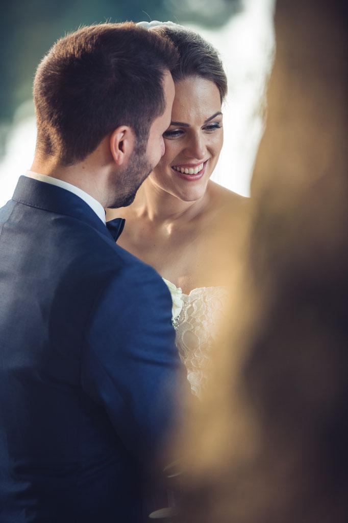 Hochzeitsreportage - die kleinen unbeachteten Momente beim Brautpaar-Shooting