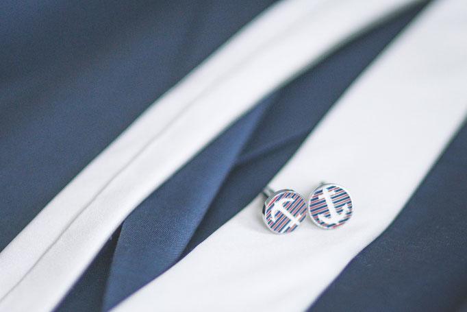 Hochzeitsreportage - Getting Ready der Bräutigam Manschettenknöpfe