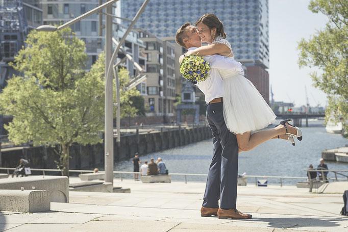 Hochzeitsreportage - Juhuuu, wir sind verheiratet Hafencity