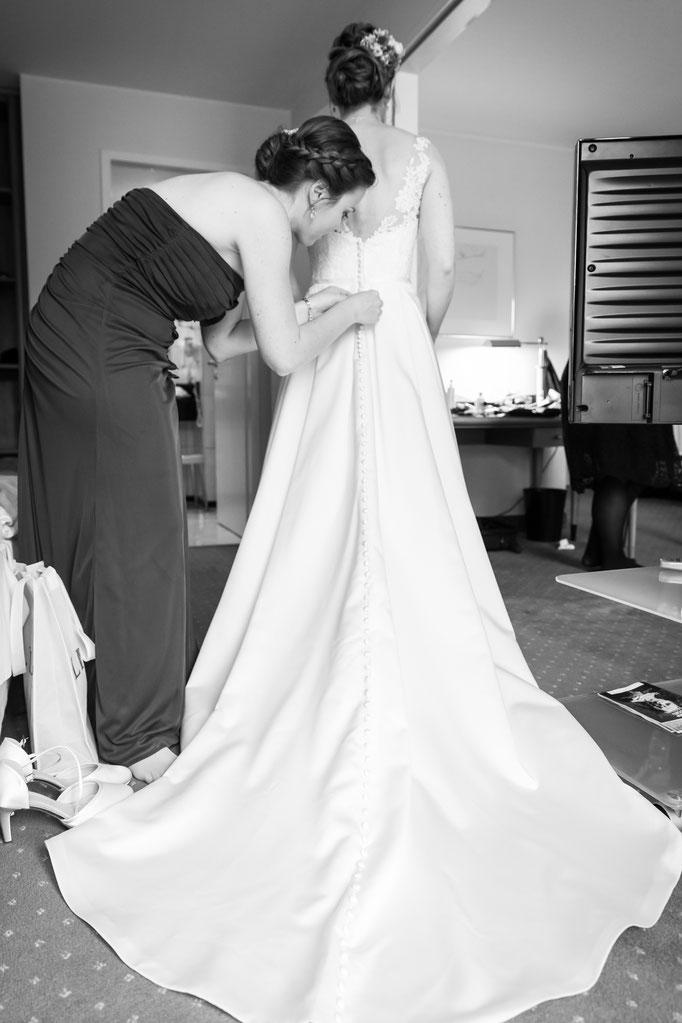 Sitzt das Brautkleid?