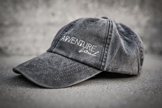 Vintage black gewaschene low profile cap und Adventure soul Stickerei auf der Vorderseite