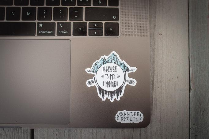 bunte Sticker mit Outdoor und Camping Motiven für Laptop