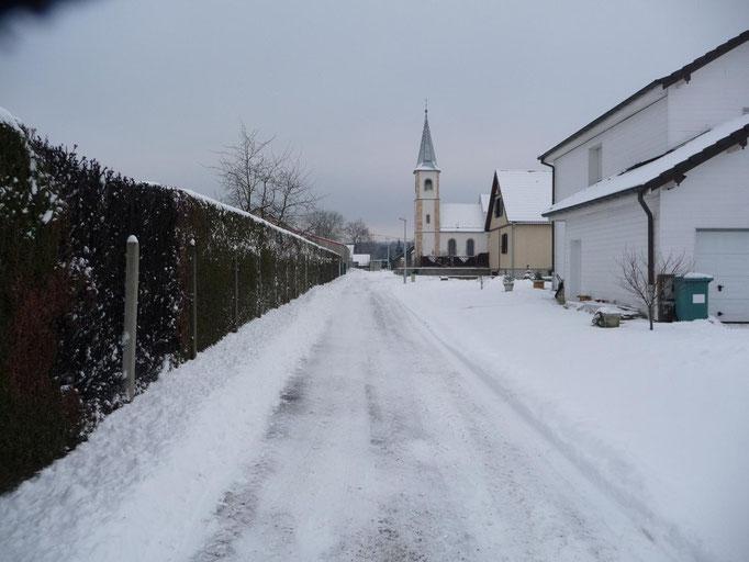 Rue vers le cimetière (2010)