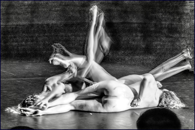 Medea TanzVerseV, Tanztheater mit Texten von Euripides von Katja Erdmann-Rajski; Foto von Götz Wintterlin; 2020