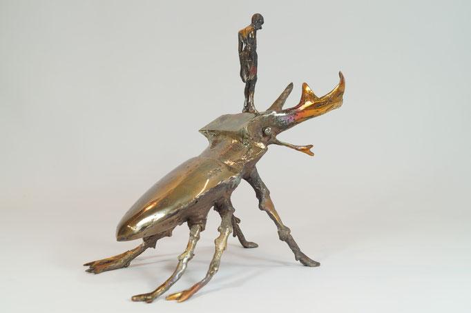 """""""Käfer mit Hirsch"""" Edition 7+2EA Bronze 25x31x20cm"""