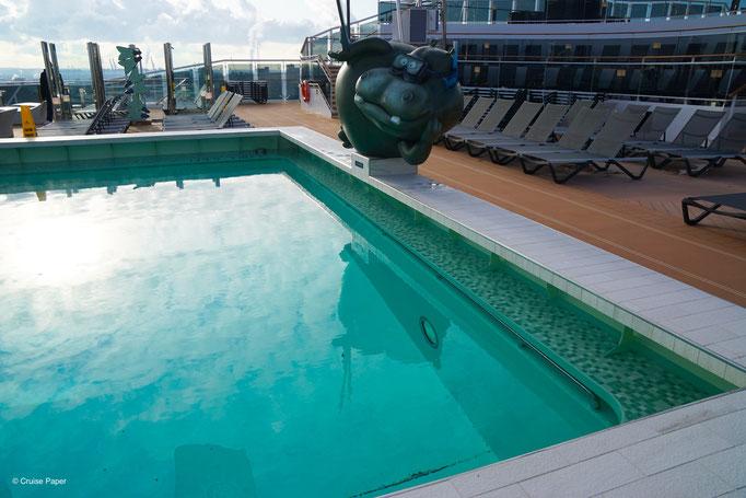 MSC Grandiosa Poolbereich am Heck