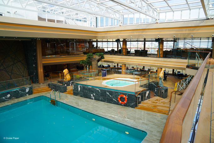 MSC Grandiosa Indoor-Pool