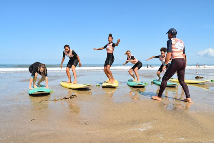 Entrainement à se lever pour le comité Miss France avec Soulac surf School