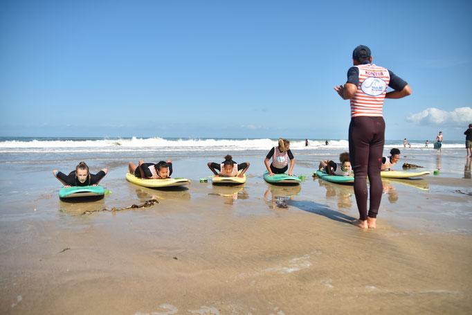 Préparation au redressement surf pour le comité Miss France à Soulac sur mer, Soulac surf school