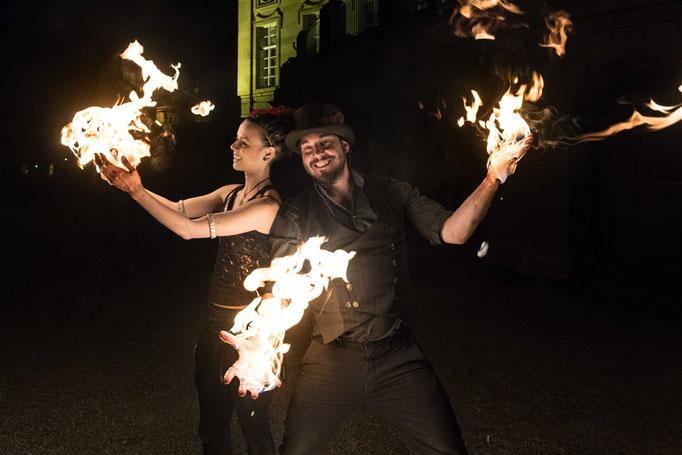 Körperfeuer bei einer Feuershow