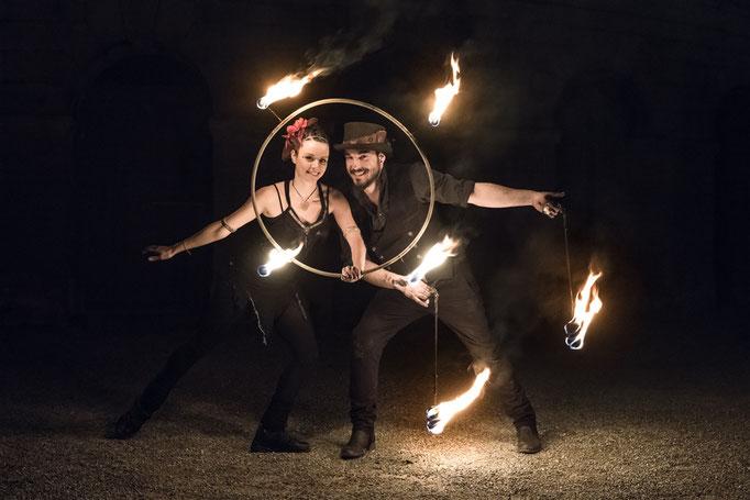 Feuershow bei einer Hochzeit
