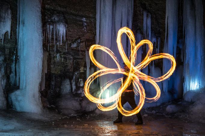 Feuerpoi-Figur- Antispinnflower