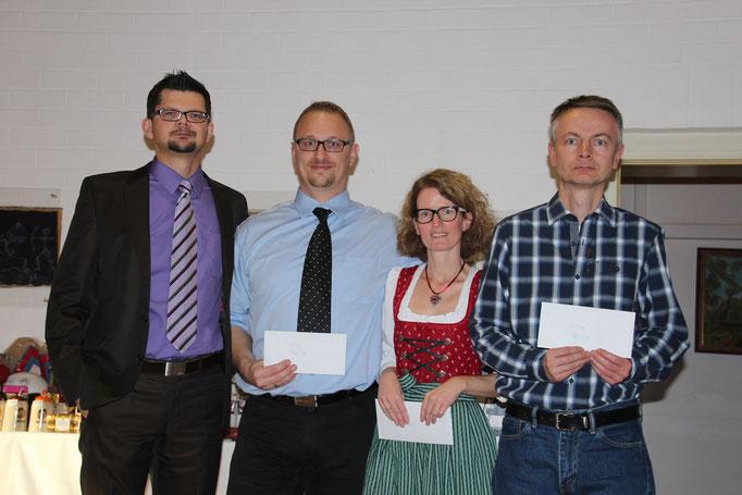 v.l.n.r: Dartleiter René Heinrich; Sieger Markus Reuss; Zweite: Kathrin Ernst; Dritter: Stefan Schäffner