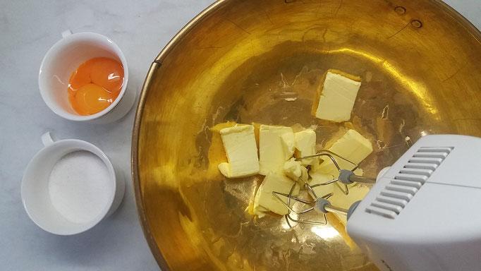 Butter mit Rührgerät mixen