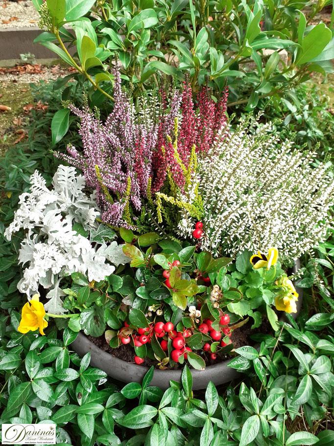 Schöne Grabgestaltung Idee für Herbst zum Selbermachen.