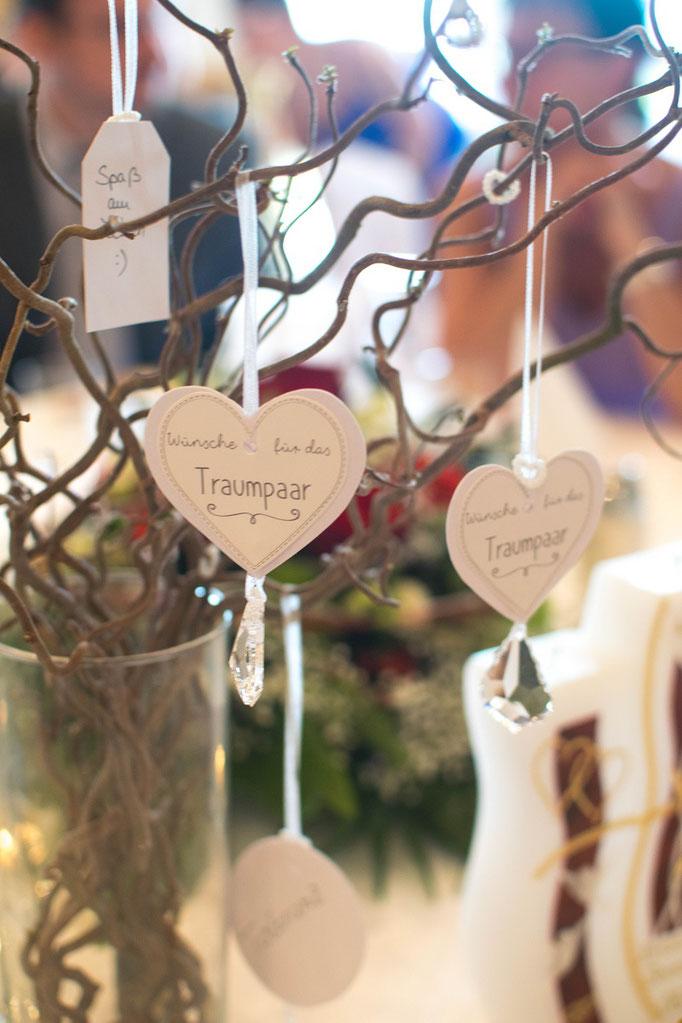 Hochzeitsgeschenk mit Herz und Tropfen