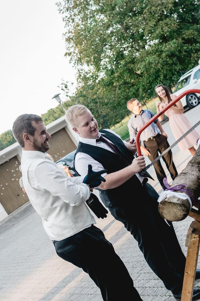 Baumstammsägen Hochzeit Freising