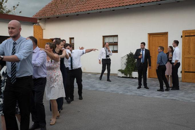 Maisach Hochzeit Feier Unterschweinbach Party Brautverziehn Polonaise