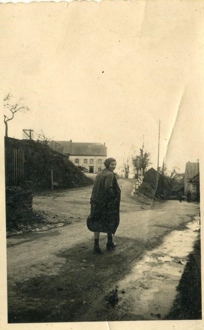 Katharina auf der Kreuzung Kyllburgerstr. - St.Thomaserstr.