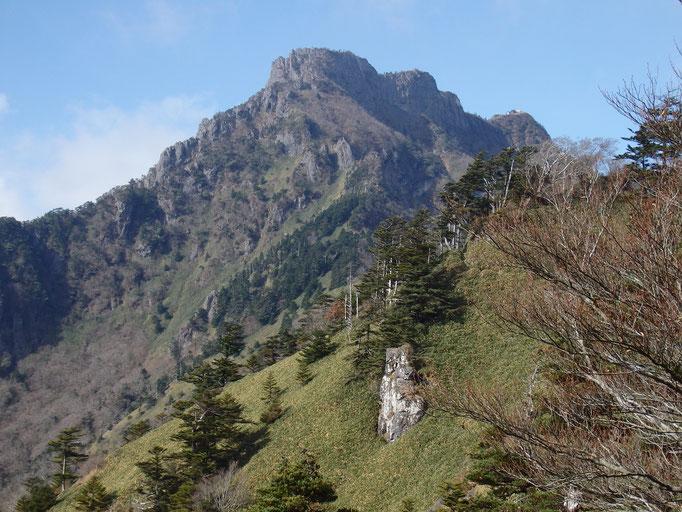 登山道からの石鎚山