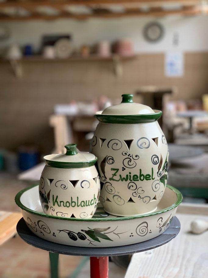 Auflaufform rund, Zwiebel- und Knoblauchtopf mit Motiv Olive