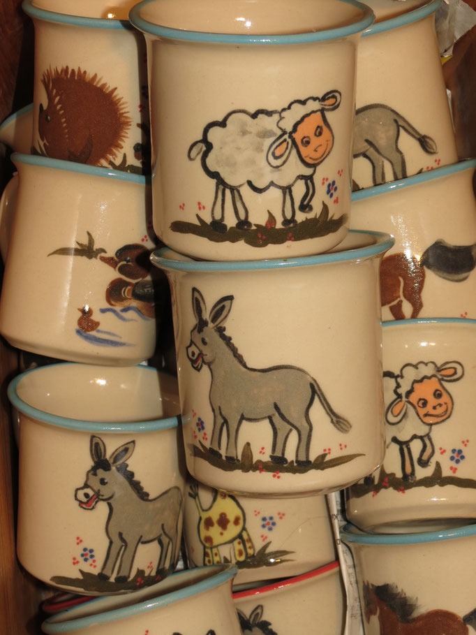 Kindertassen in mint mit Motiven Esel, Ente, Igel, Giraffe, Schaf