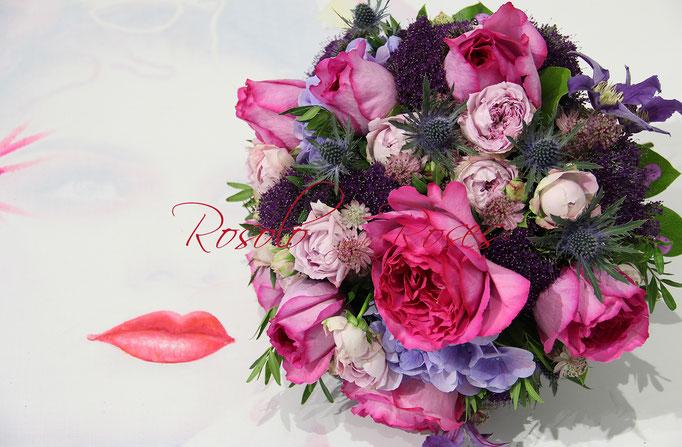 SEPTEMBRE: bouquet harmonieux avec superbes roses parfumées