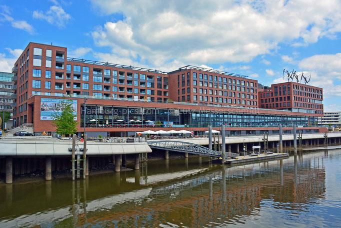 Elbarkaden am Magdeburger Hafen in der HafenCity