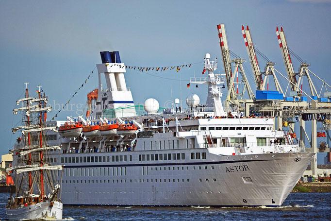Kreuzfahrtschiffe - 10