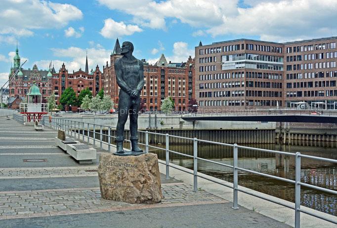 STÖRTEBEKER-Denkmal im Magdeburger Hafen